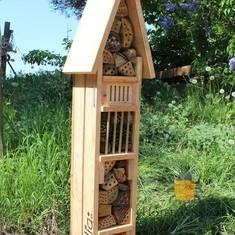 Les tours à insectes - Hôtel à insectes